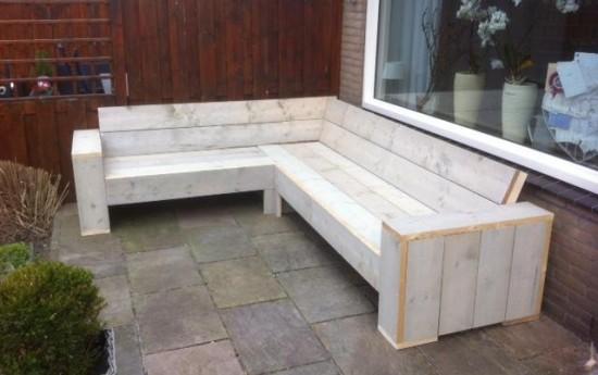 Beste Frank, Bij deze een foto van ons project. We hebben een loungebank en een tafeltje met steen gemaakt. Het is erg mooi geworden. Met je handige en goede handleiding hebben we een prachtige loungebank gemaakt. We hebben de bank iets Aangepast waardoor we nu plek hebben (zonder de hoek) voor 5 zitplaatsen. De totale […]