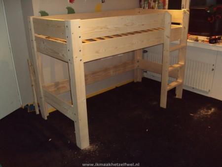 bed-steigerhout.jpg